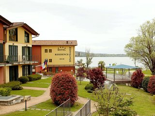 Enticing Apartment Near Lake in Ternate Italy