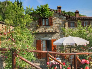 Farmhouse with swimming pool at 700 meters, beautiful view