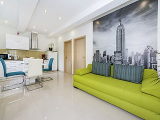 New Luxury Apartment  in a quiet area with private covered  terrace, BBQ