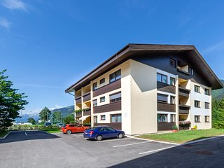 Child-friendly Apartment in Zell am See near Lake