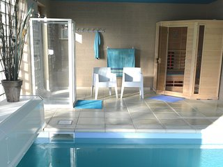 Spacious Villa with Swimming Pool in Gesves