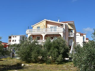 Luxurious Apartment in Vodice with Garden