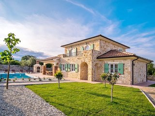Newly built stone house with pool and beautiful garden on the island of Krk