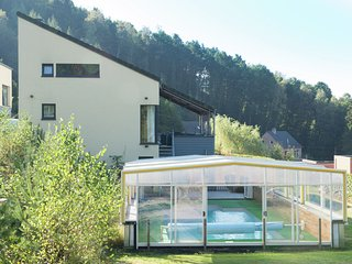 Luxury Villa with a Pool in Stavelot