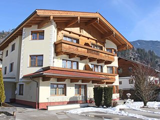 Luxurious Apartment in Kaltenbach with Parking