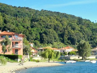 Beautiful 4 persons property directly situated on Lake Como.