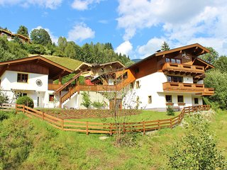 Luxrious Apartment in Saalbach-Hinterglemm with Terrace