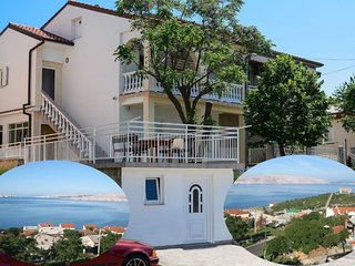 Large home with terrace,sea view and BBQ.For big families and group of friends !