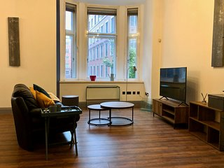 Beautiful modern 2 bed city centre apartment