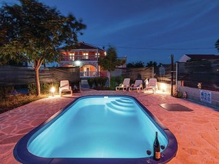 Nice holiday home with a private pool, lovely covered terrace, BBQ, free wi fi