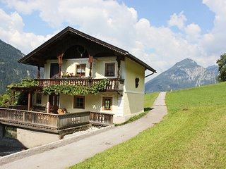 Cozy Chalet in Bruck am Ziller with Private Terrace
