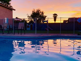 Vegas Private Guest House + BBQ & Pool