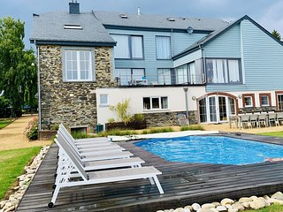 Nice house with swimming pool, pleasantly renovated.