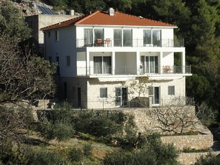 Studio apartment with terrace and sea view,30m distant from the beach!