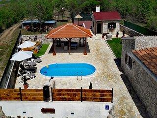 Holiday Home in Zemunik Gornji with Pool
