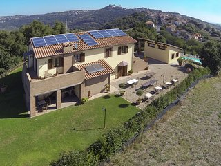 Spacious Mansion in Montefiascone with Pool