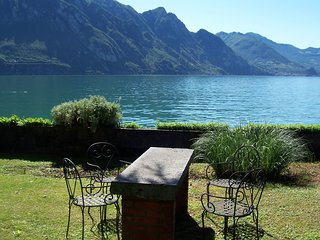 Beautiful apartment with a view of lake Iseo