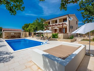 Comfortable villa with a panoramic view and private pool