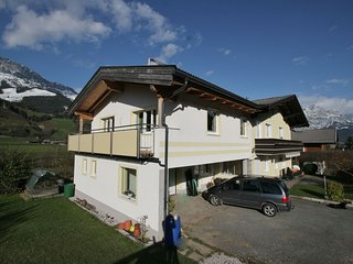 Sunlit Apartment near Ski Area in Leogang