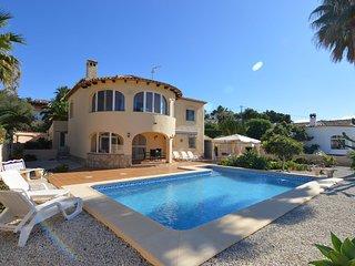 Spacious Villa in El Baladrar with Swimming Pool
