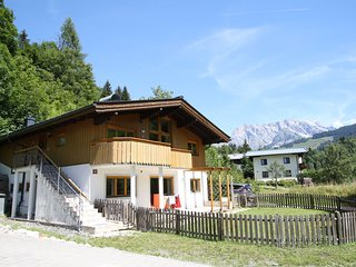 Ultra spacious and comfortable apartment opposite ski lift