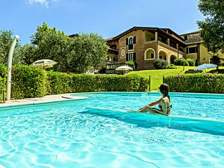 Beautiful Holiday Home In Manerba del Garda With Pool