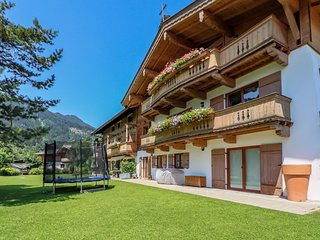 Spacious Apartment in Kitzbuhel with Balcony