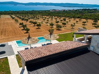 Spacious Villa in Biograd na Moru with Pool