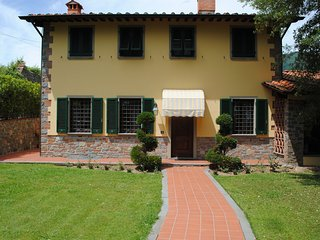 Spacious holiday home with large enclosed garden and private pool near Lucca