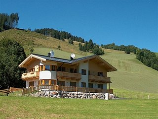 Lovely Apartment in Saalbach-Hinterglemm with Garden