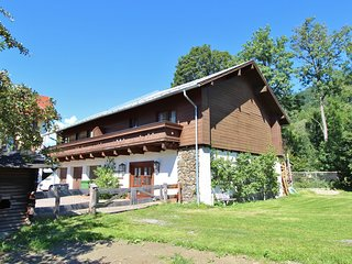 Comfortable Holiday Home with Hot Tub and Sauna in Salzburg
