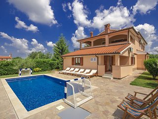 Villa Ulika located in Vranici for 8-10 persons with private pool