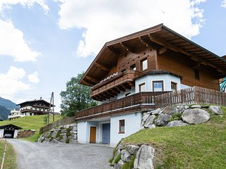 Spacious Apartment in Saalbach with Hill View