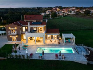 Luxury designed villa with private pool and wellness !