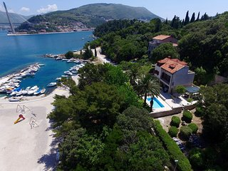 Detached villa by the sea with private pool and spacious garden, near Dubrovnik