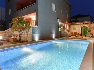New Luxury Apartment - Villa with private swimming pool and nice covered terrace