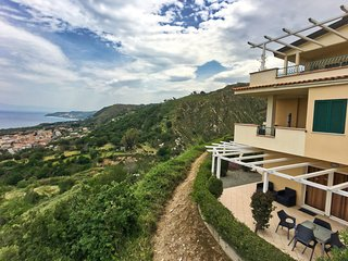 Stunning Holiday Home in Parghelia near Sea