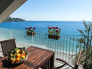 Modern Apartment in Taormina with Terrace