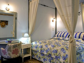 Studio on a authentic estate, 3km from the beaches, large pool, NW Corfu