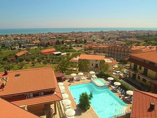 Apartment with sea views and a spacious terrace.