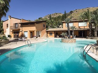 Exclusive luxury villa in Agrigento with private pool, Jacuzzi and BBQ
