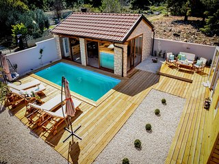 Cozy Moblie Home in Biograd na Moru with Pool