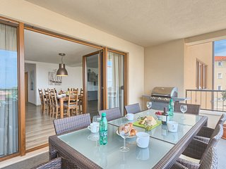 Modern and spacious 3 bedroom apartment with  great sea view terrace, BBQ, Wi Fi