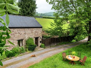A lovely old stone barn between Talgarth and Crickhowell