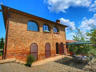 360 degree view over the Tuscan hills.