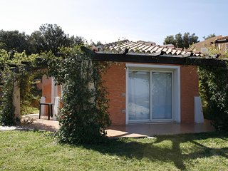 Detached villa with two bathrooms not far from the sea
