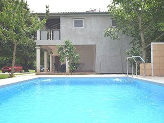 Modern Apartment in Banjole with Pool