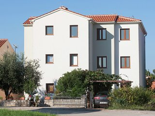 Spacious Apartment in Porec near Sea Beach