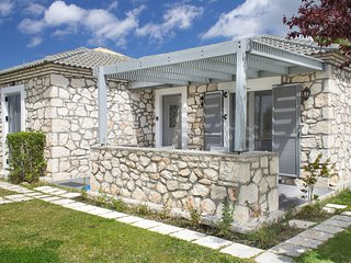 Welcoming Villa near Sea in Agrilia