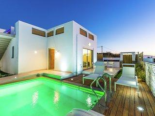 Luxury villa, private pool + beach, Pigianos Kampos, Rethymno area, NW coast